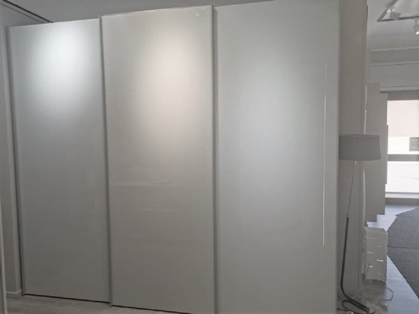 armadio-scorrevole-con-porta-tv-apribile-roma